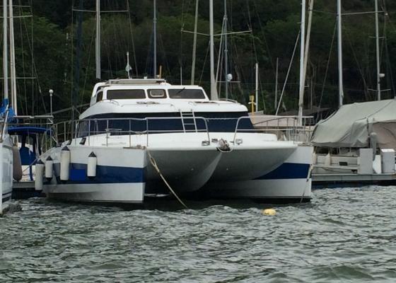/barcos/blujoi-trawcat-40-luxo/